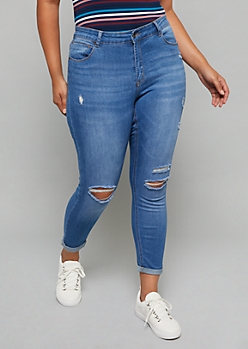Plus Medium Wash Rolled Hem Cropped Booty Jeans