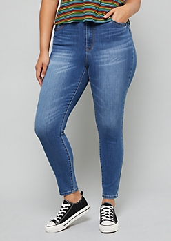 Plus Medium Wash Sandblasted High Waisted Booty Jeans