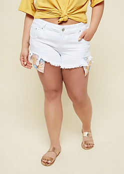 Plus White Floral Embroidered Pocket Shorts