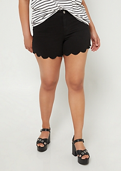 Plus Black Scalloped Hem Shorts