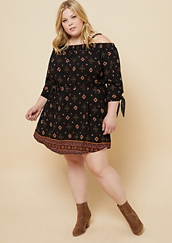 Plus Black Border Print Cold Shoulder Belted Dress