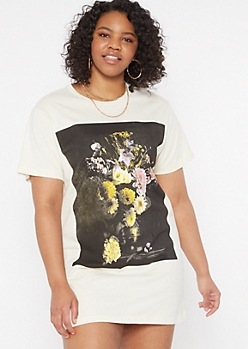 Plus Beige Floral Vase Graphic T Shirt Dress